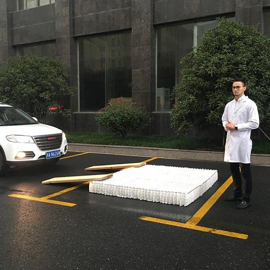 索思乐床垫怎么样?汽车碾压不变形!索思乐床垫暴力评测(部分转载)
