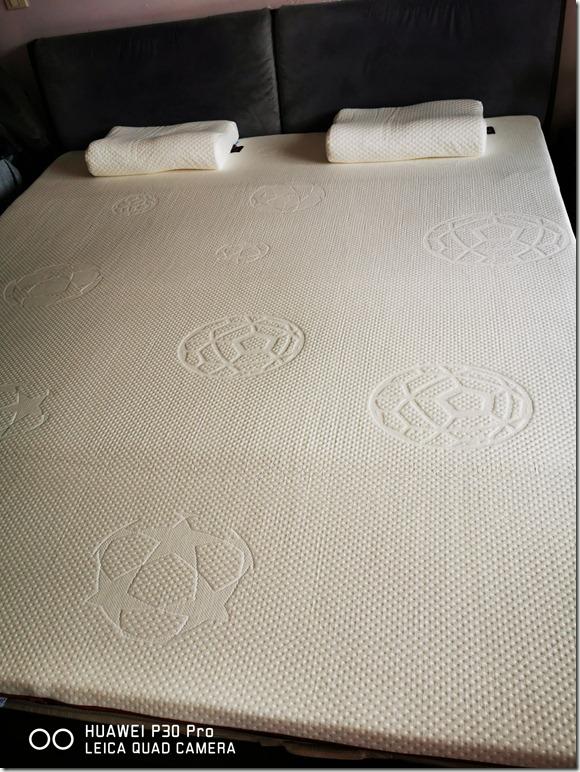 【买前警告】Mlily梦百合零压记忆棉床垫ML20200225怎么样?气味大不大?口碑质量揭秘反馈